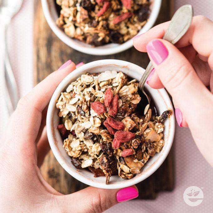 Smacznie i zdrowo, czyli  RABARBAR ZAPIEKANY POD KRUSZONKĄ   #rabarbar #banan #muesli #jogurtnaturalny #miód  #zdrowejedzenie  #smacznego  #zdrowienatalerzu  #healthychoices  #jemzdrowo  #econdimenta
