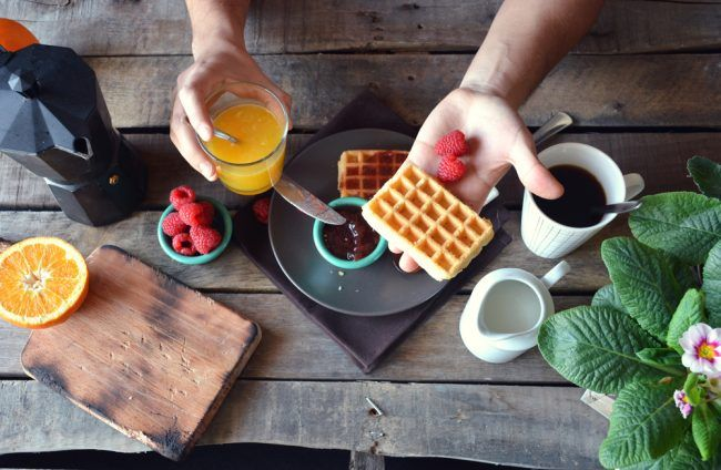 GroomNStyle | Our Top 5 Best Waffle Makers Chart Is Out! Check Who Took The Cake In America's Test Kitchens, Belgian One Or Cuisinart Waffle Iron!