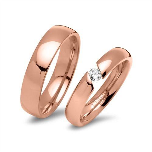 Rosévergoldete Edelstahl Eheringe mit Stein R9229s http://www.thejewellershop.com/ #roségold #eheringe #schmuck #trauringe #steel #schmuck #wedding #hochzeit #ringe