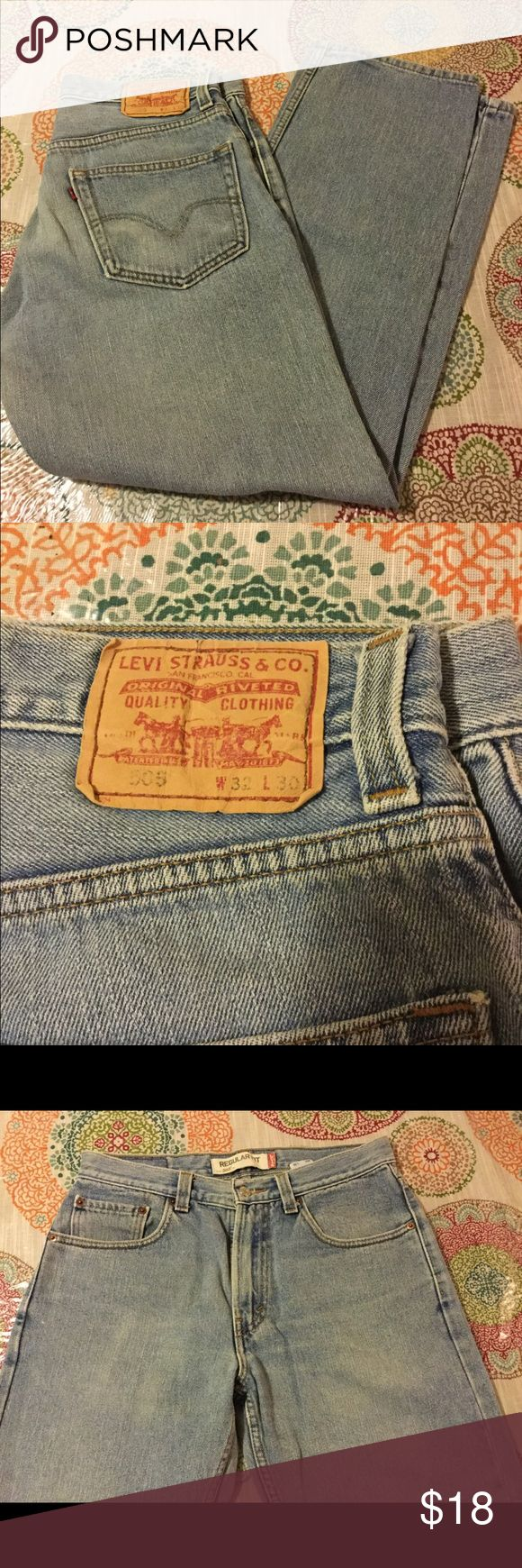 Mens Levis 505 Jeans Size 32x30 This is a well loved pair of men's Levis 505 regular fit Jeans in size 32x30. Levi's Jeans Straight