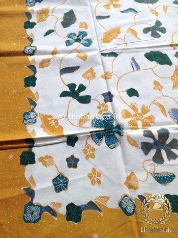 Bahan Kain Batik Tulis Floral Kembang Kipas Latar Putih | #Indonesia Traditional #Batik Tulis #Design. Hand-dyed and HandDrawn Process http://thebatik.co.id/kain-batik-bahan/batik-tulis/