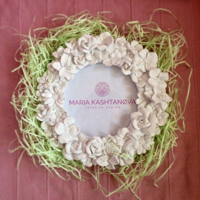 Подарочек для заказчика 🎁 #подарок #фоторамка #лого #дизайнер #проект #дизайнеринтерьеров  #цветы #розовый #зеленый #белый #романтичный #детский #kashtanovacom