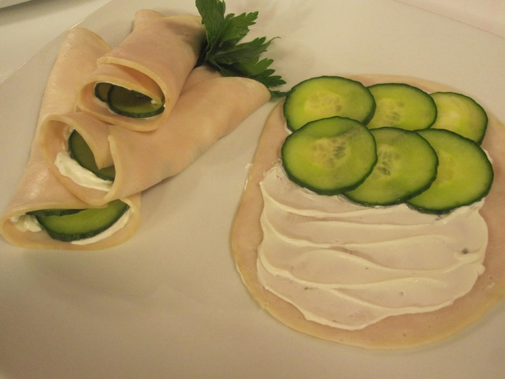 "Naked Turkey Roll Ups: Here's a clever lunch idea from superstar Joy Fit Club member Kimberly Truesdell. Simply spread one slice of turkey with a thin layer of reduced-fat garden or chive cream cheese. Top with sliced cucumber, roll it up, and enjoy! Four ""rolls"" is about 160 calories."