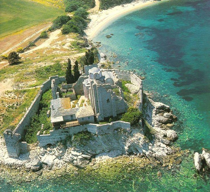 Το Χιλιανδαρινό μονύδριο του Αγίου Βασιλείου - The cell of St Basil, a dependency of Chilandari