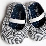35 free baby shoe patterns: Diy'S Baby, Baby Shoes Patterns, Cute Baby, Baby Sewing, Ruffles Baby, Baby Booties, Baby Girls, Kids, Baby Shoes Tutorials