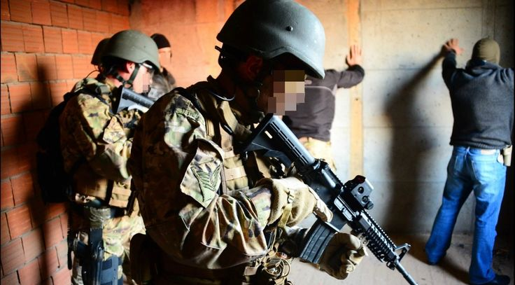 Turkish Special Forces - #Turkish #Navy #SAT #commandos on the #hostage #rescue training.