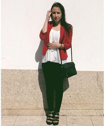 Bershka Red Blazer, Seaside Black Sandals, Primark Golden Cuff