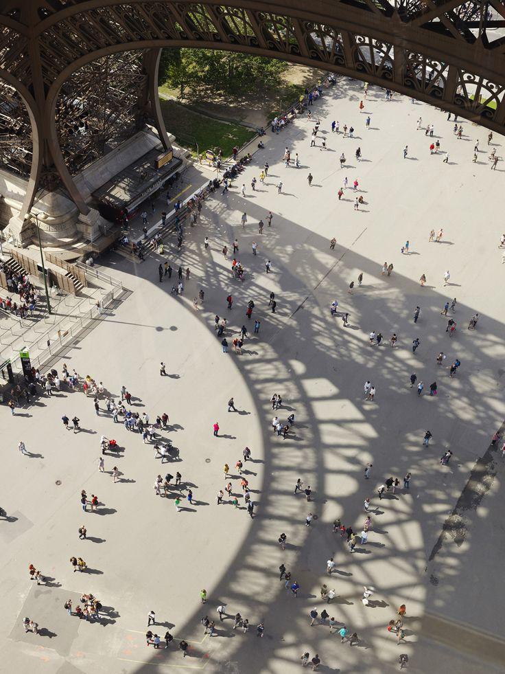 Tour Eiffel, first floor by photo Cyrille Weiner | issyparis