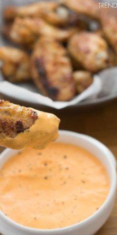 Alitas de pollo caramelizadas con salsa de pimiento rojo. Receta
