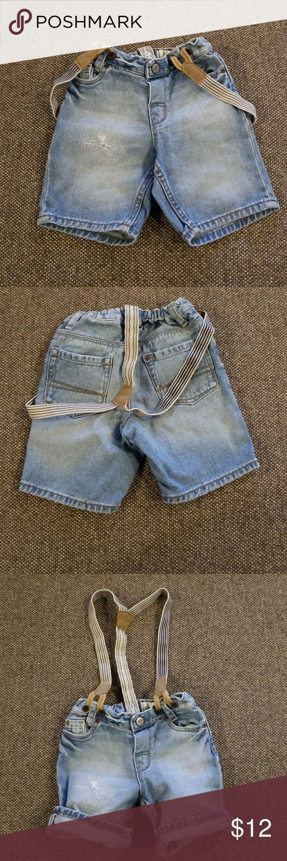 H&M jean suspender shorts H&M jean suspender shorts  | 1 1/2 - 2 Y | H&M Bottoms Shorts