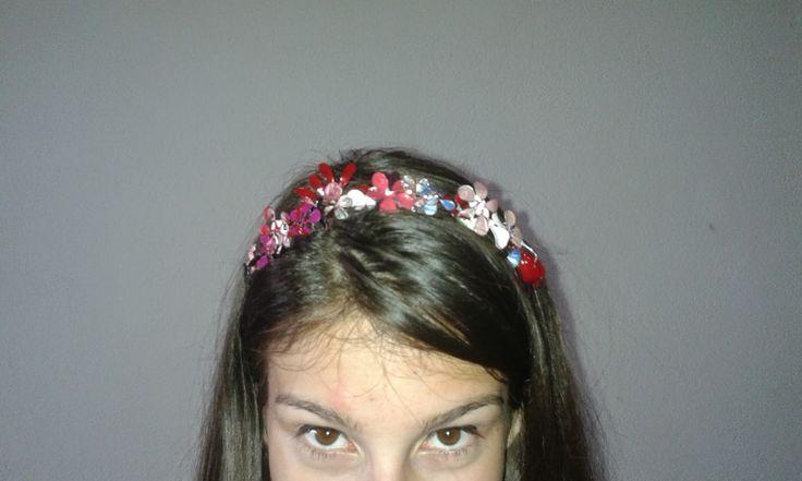 Handmade floral hair band. Details here: http://handmadeclao.blogspot.ro/2014/07/cordeluta-inflorata.html