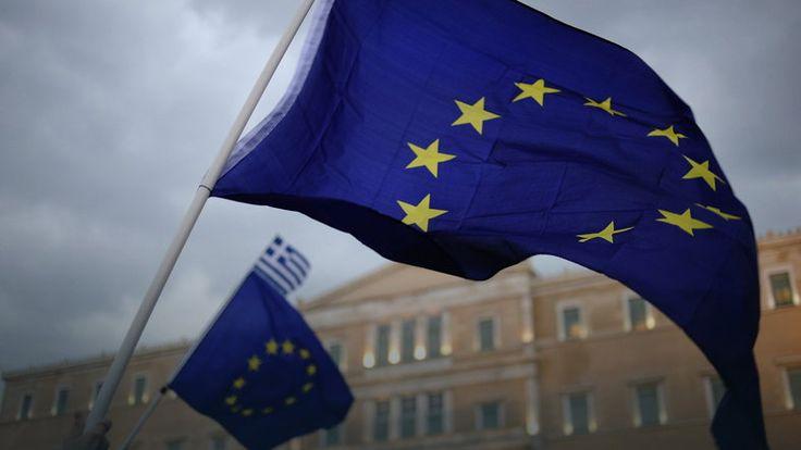 """Widmo """"Grexitu"""" wpłynęło na polityczną debatę w Polsce. """"Entuzjazm polityków budzi niepokój"""""""