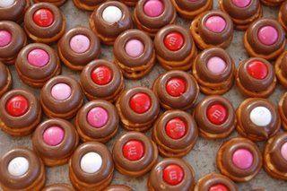 Kissable Valentine's Day Pretzels