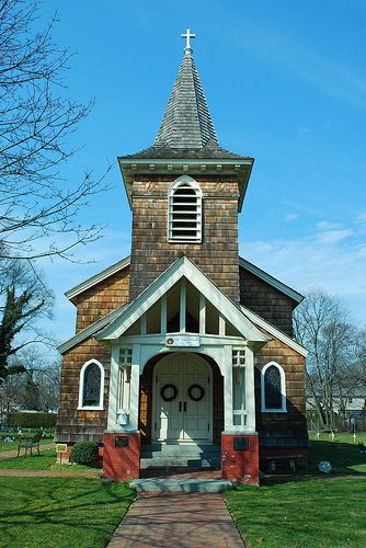 Old Grace Church in Massapequa, New York.  Massapequa is a hamlet in the southern part of the Town of Oyster Bay in southeastern Nassau County, New York.