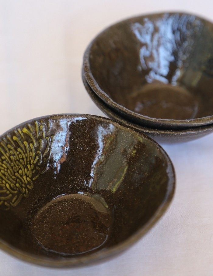 Protea Collection dip bowls in black clay. The focus of this range is on gift sets for tourists: sets of small bowls and jugs that are small and easy to pack. Image: Inness Mass.