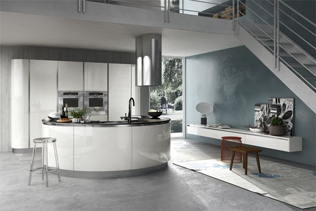 A circular kitchen design carries wow factor-though can prove quite a challenge to fit into a regular kitchen space.
