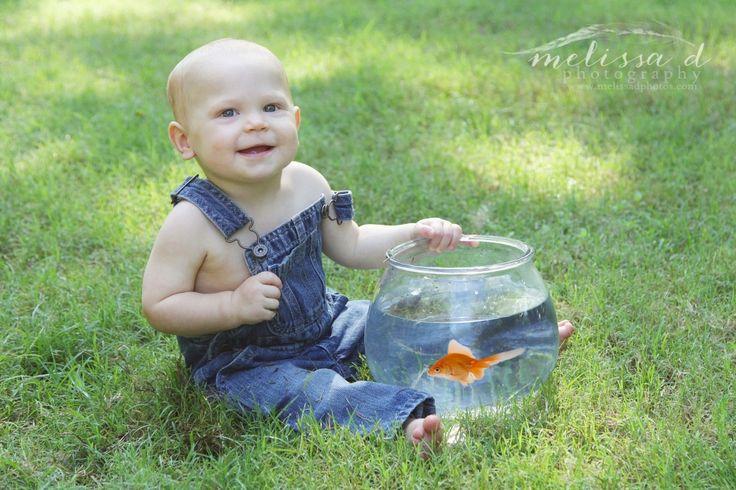 Ft. Worth Baby Photographer fishbowl goldfish