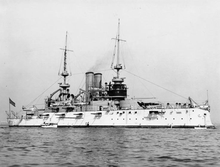 USS Alabama Battleship BB-8 seen off New York in 1904. #Alabama #Alabama #Shirt https://www.sunfrogshirts.com/search/?7833&cId=0&cName=&search=alabama