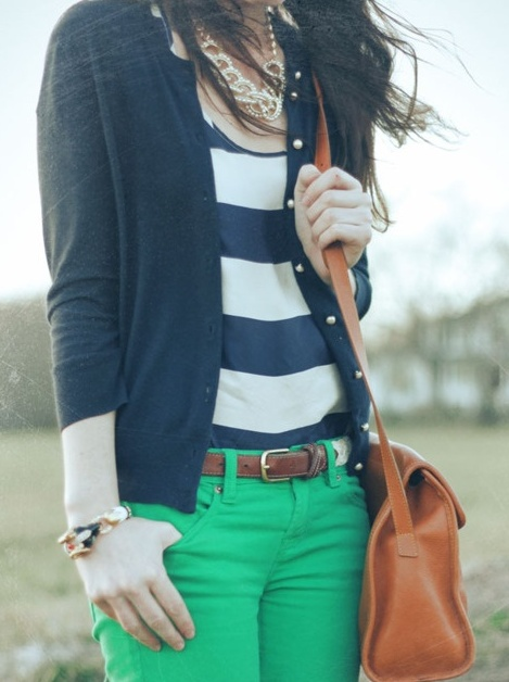 ❈: Green Jeans, Outfits, Colors Pants, Colors Combos, Style, Colors Jeans, Kelly Green, Stripes, Green Pants