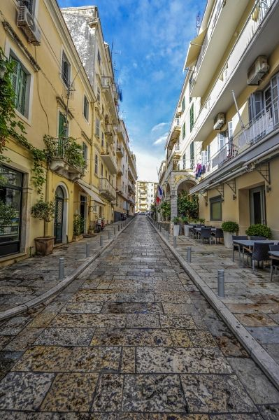 Follow the path, Corfu Old Town