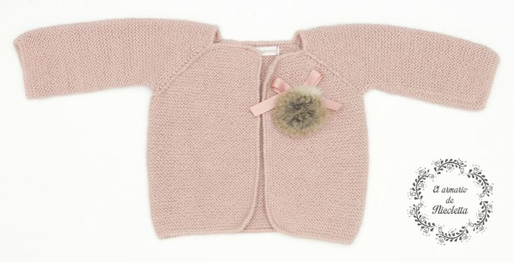 Cardigan rosa empolvado con detalle Pompon y lazo, de la marca Casilda y Jimena.