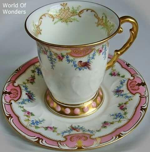 Šálek na čokoládu • malovaný porcelán s ozdobným okrajem na podšálku
