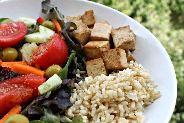¿Cómo hacer tofu marinado para que no sea soso? [Receta – Solo 3 ingredientes]