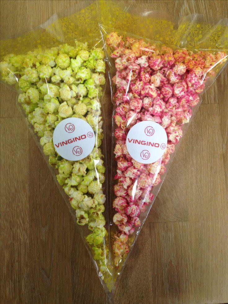 roze en groene popcorn in zak met vingino sticker