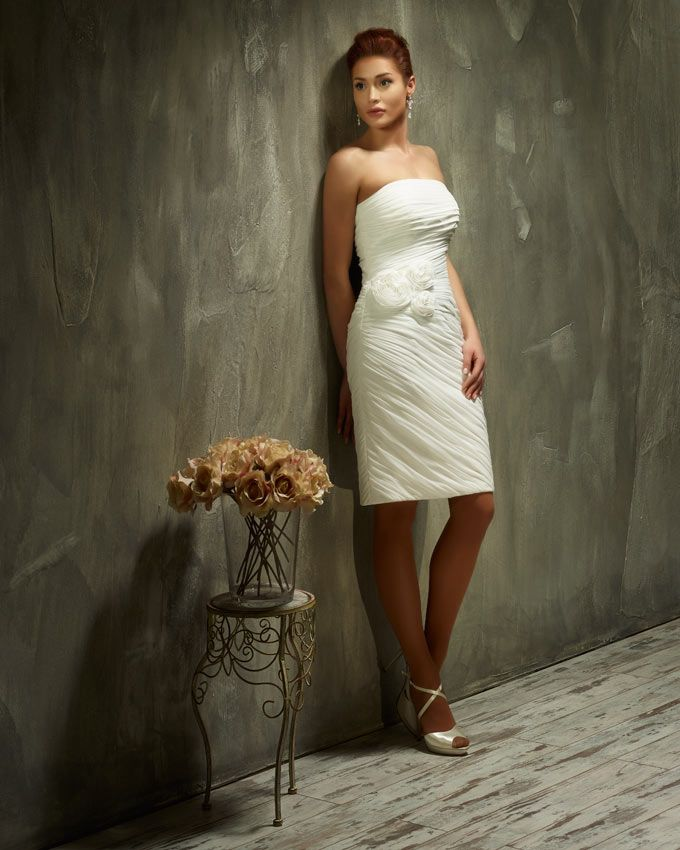Dress: 70439 Available Colors: Ivory & White Material: Chiffon Sizes: EU 32-64 UK 6-38 USA 2-34