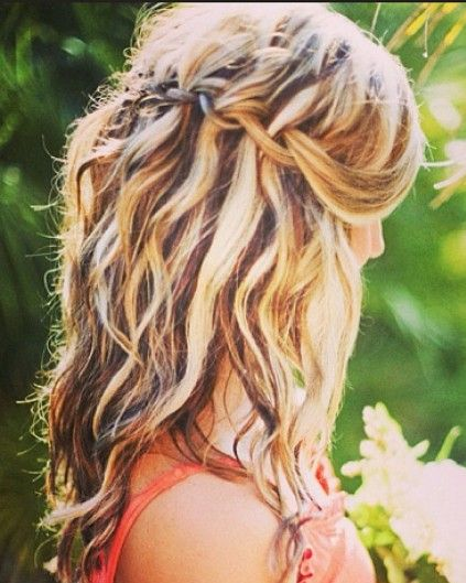 11 textured hairstyles perfect for the beach…