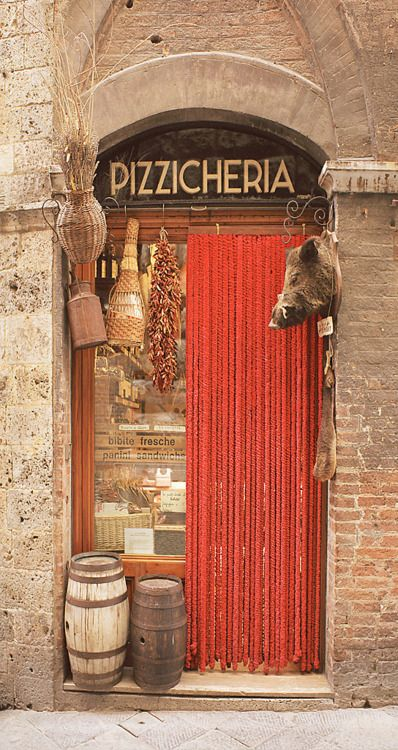 Pizzicheria, in Siena ..