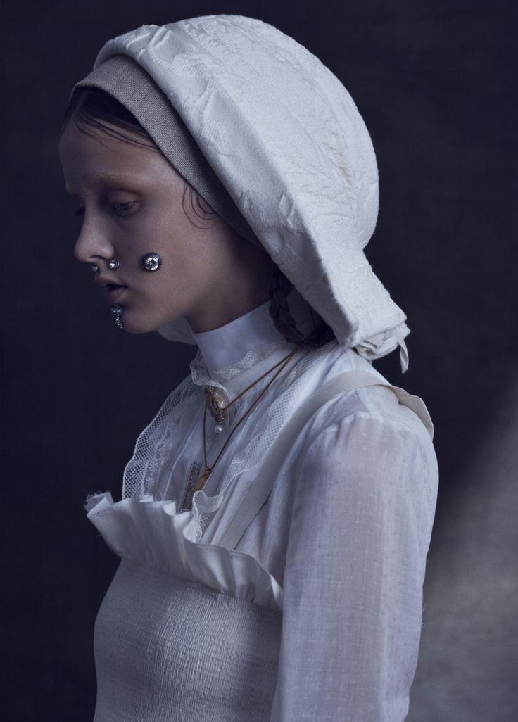 miahanamura:Vogue.it | Clara McNair by Léa Nielsen