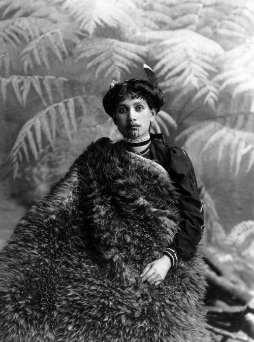 Maori woman / New Zealand