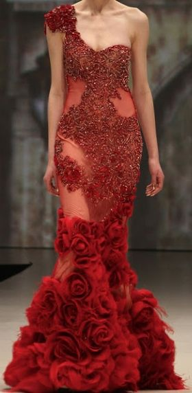 Gorgeous gown by Pavoni