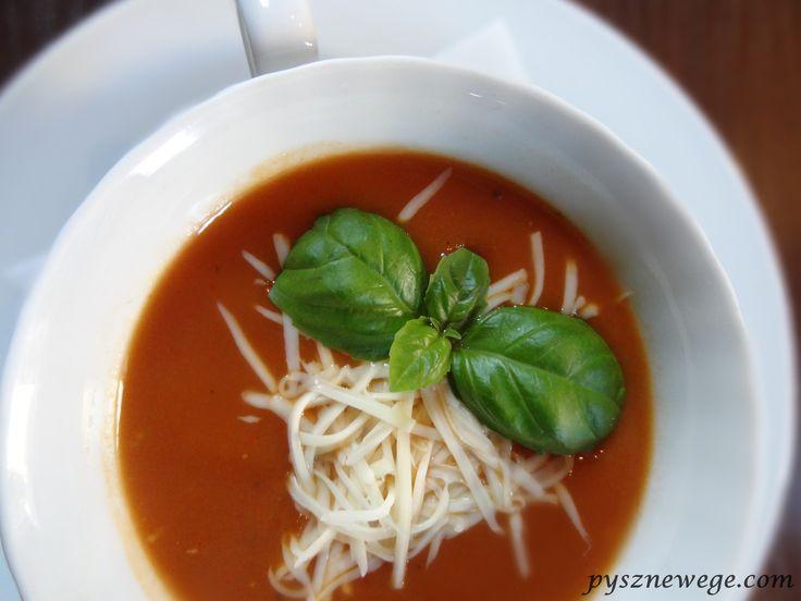 Krem ze świeżych pomidorów z mozzarellą