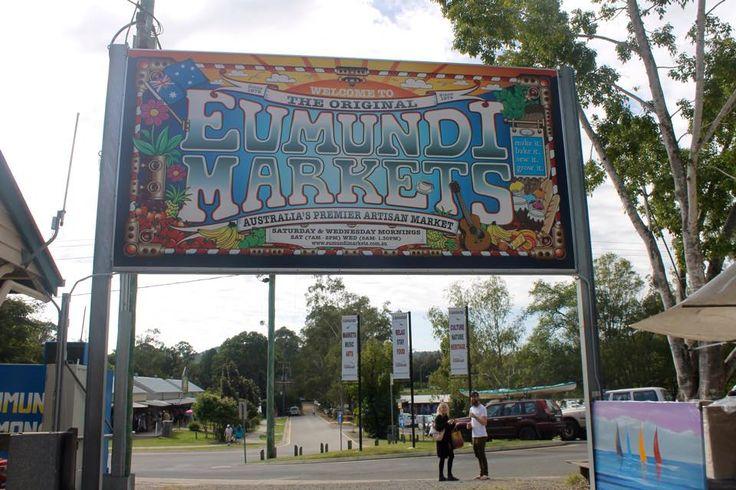 eumundi markets noosa sign