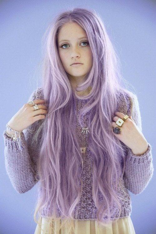 lange fliederfarbene Haare                                                                                                                                                                                 Mehr