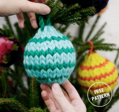 Knitting Pattern Christmas Baubles : 36 best images about FREE KNITTING PATTERNS on Pinterest Free pattern, Good...