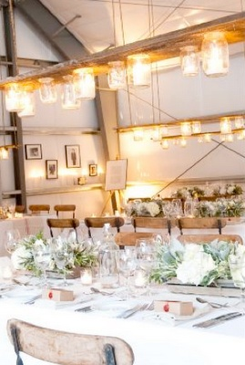 love this look: Decor Ideas, Lights Fixtures, Rustic Lights, Barns Boards, Mason Jars Lights, Lights Ideas, Mason Jars Chandeliers, Old Barns, Rustic Wedding