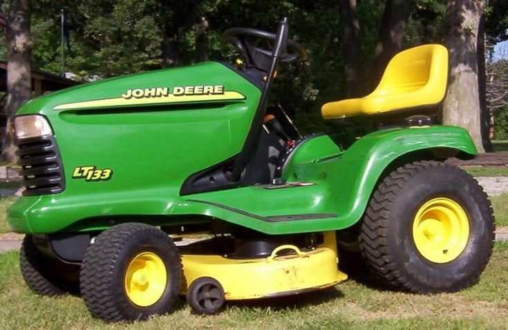 John Deere LT133 Lawn Tractor | Prices,Video,Review,Buy Now // John Deere LT133 could be a ride on lawnmower designed and inbuilt Horicon,Wisconsin throughout the late nineties and early noughties.SEE…