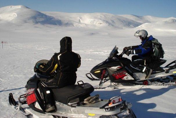 #outdoor Erlebnisse am #ArcticCircle in #SwedishLapland  #snowmobile #Sweden - http://www.nordicmarketing.de/blog/2014/09/15/arctic-charter-2/