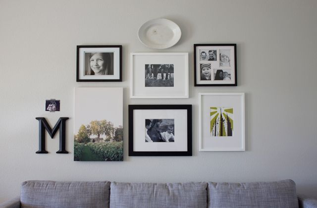 Dandee nice gallery wall arrangement mixed frames for Arrangement of photo frames on wall