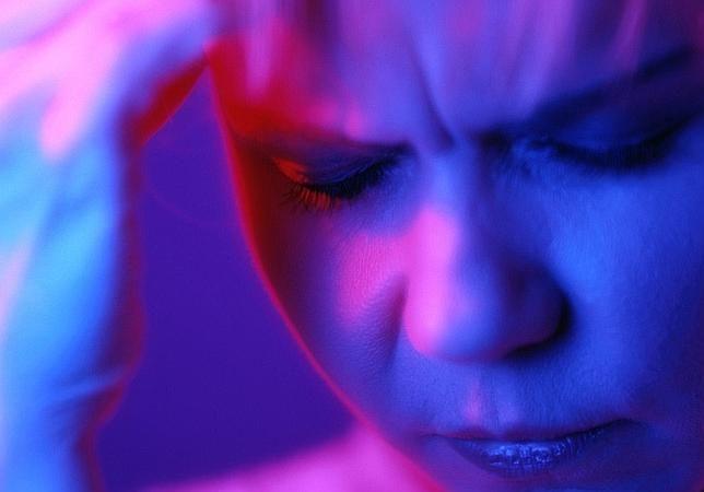 Un adelanto en el reloj circadiano se asocia a las migrañas con aura | ABC Sociedad | 02 may 2013
