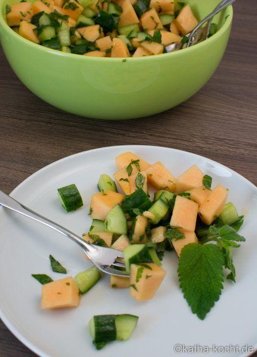 Gurke Melone Salat mit Zitronenmelisse - Katha-kocht!