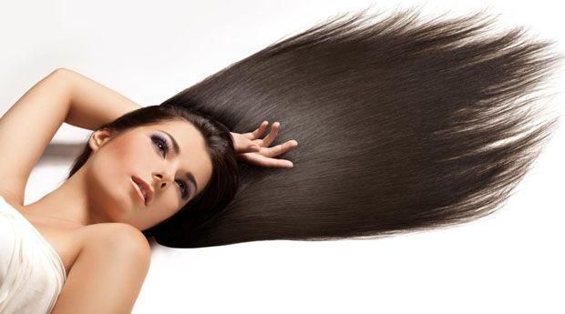 Можно ли заставить волосы расти быстрее? - Я перепробовала все домашние маски для роста волос, какие только нашла на просторах интернета. Но волосы все равно не растут быстрее. Так достижимо ли это вообще, или все дело в наследственности?  Эксперт: Франческа Фуско,