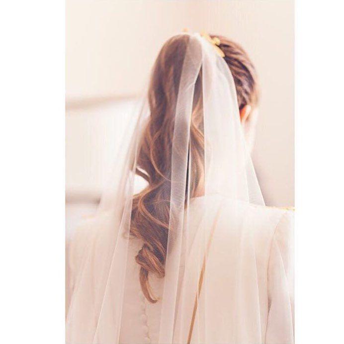 """298 Likes, 4 Comments - Di que SÍ (@diquesitv) on Instagram: """"Las novias con velo y coleta de @marietahairstyle me parecen una opción para el gran día…"""""""