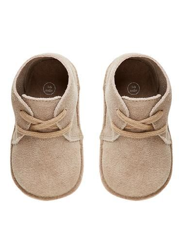 Baby boy's suede desert boots. Leather upper, rubber sole.