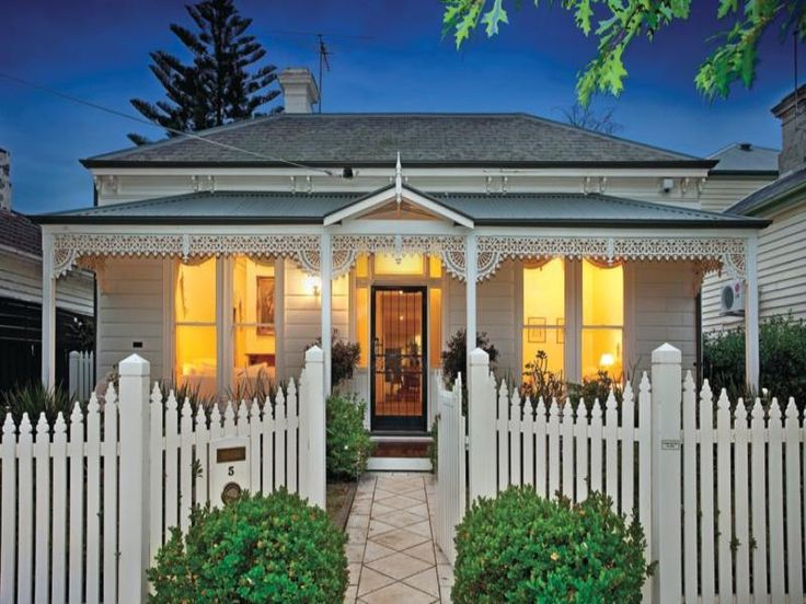 Photo of a brick house exterior from real Australian home - House Facade photo 525381