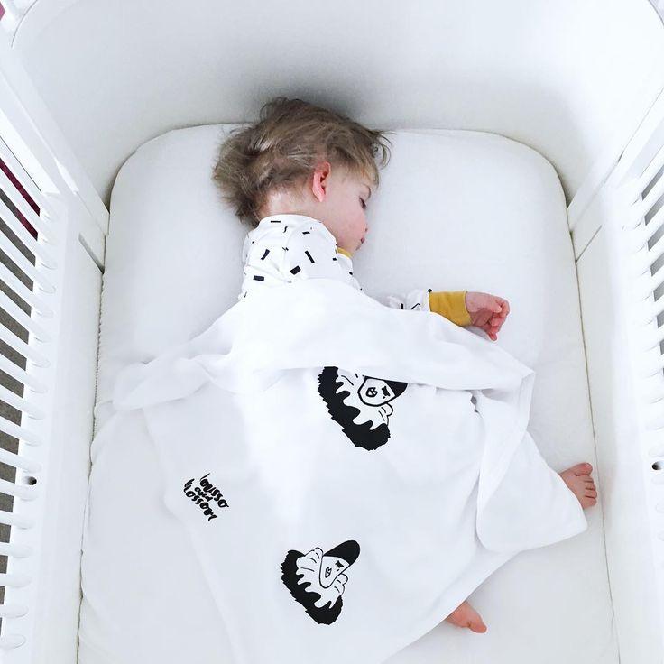 Rousso & Blossom Pierrot monochrome Blanket