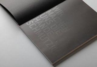 Contoh Desain Format Layout Laporan tahunan Perusahaan cetak dan print KIIC Jababeka-31
